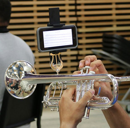 eFlip Smartphone Lyre Attachment